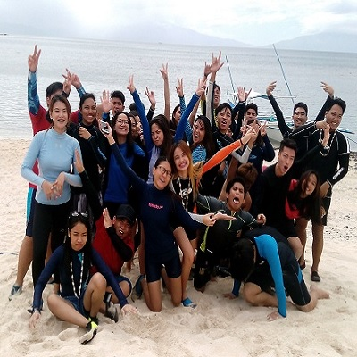 Batangas Beach Resort: De La Salle University – Dasmarinas students lift up their energies in Eagle Point Resort