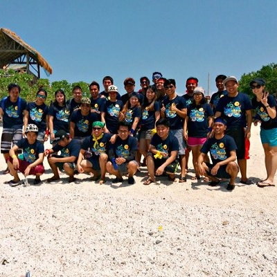 Beach Resorts in Batangas: Cheerful Touie Cad Design Corporation employees becomes more playful at Eagle Point Resort