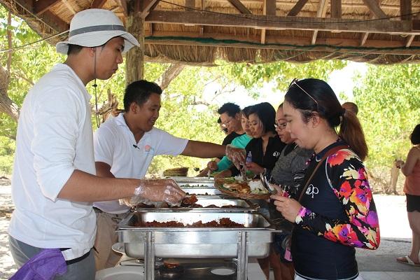 buffet lunch at sepoc beach
