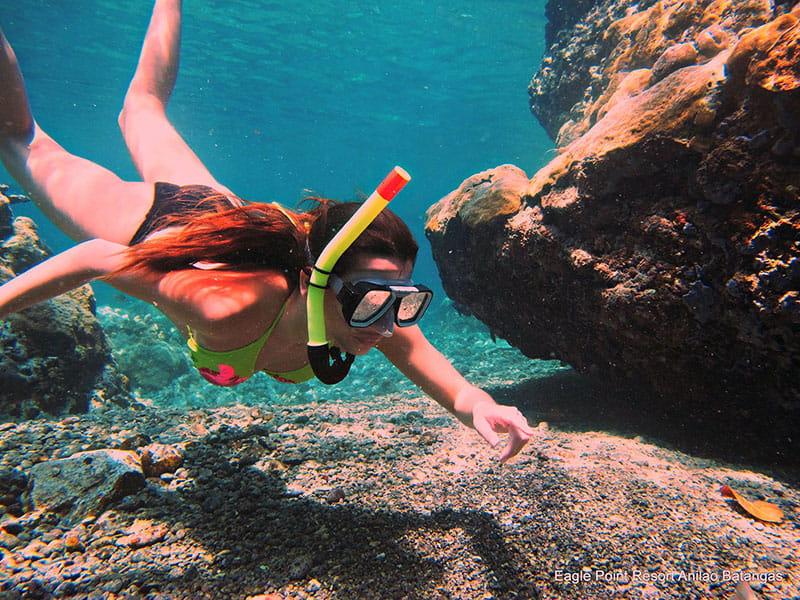snorkeling diving girl