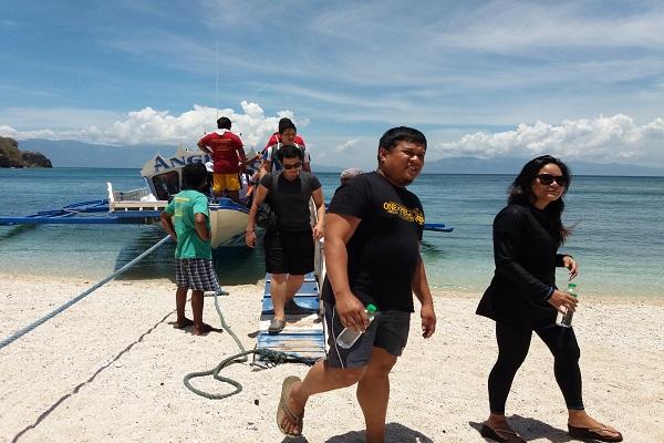 people_4u_in_eaglepoint_batangas_beach_resort_anilao_02
